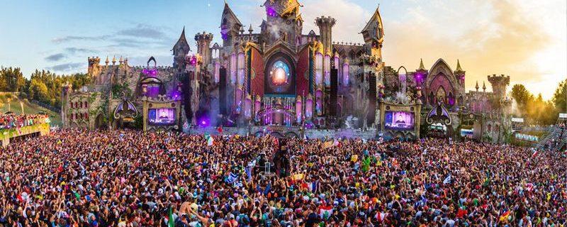Tomorrowland - Fotocredits Julian Dael (Wikimedia Commons)