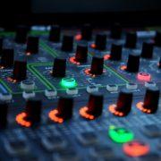 artificial intelligence, DJ Mixer muziek house mengpaneel electronische muziek - CC0 Public Domain, charanjit singh