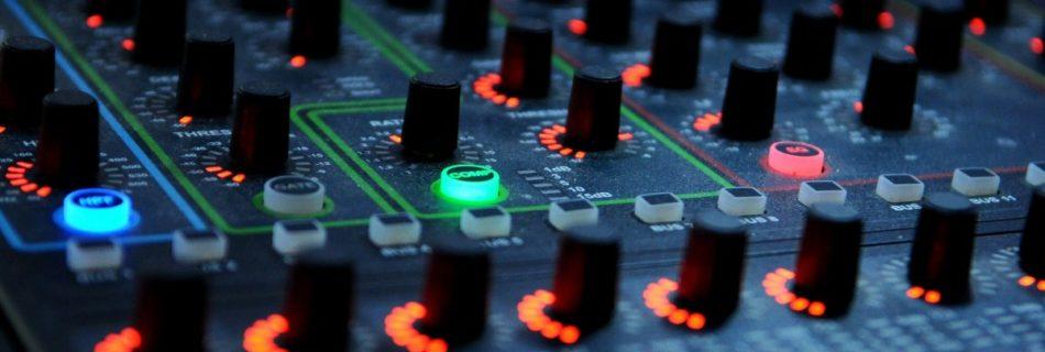 DJ Jazzy Jeff, artificial intelligence, DJ Mixer muziek house mengpaneel electronische muziek - CC0 Public Domain, charanjit singh