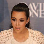 Kim Kardashian - Foto: Eva Rinaldi - (Bron: Wikimedia Commons)