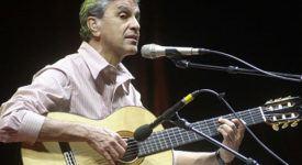Caetano Veloso - Foto User Starlight (WikiMedia)