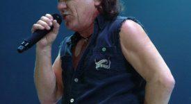 AC/DC Brian Johnson - Foto Matt Becker - Wikimedia Commons