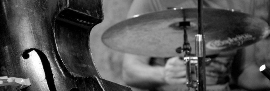 Jazz, viool, muziek, drummer (public domain)