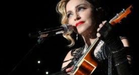 Erger jij je ook zo aan die kapotgedraaide nummers op de radio? Dit overkomt zelfs de allergrootste artiesten. Zij kunnen hun eigen hits niet meer kunnen aanhoren. Dit is een lijst met artiesten die hun eigen hits haten., Madonna - Fotocredits: Pascal Mannaerts - Wikimedia Commons (CC BY-SA 3.0)
