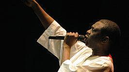 Youssou N'Dour - bron: Wikipedia - Foto: Henryk Kotowski