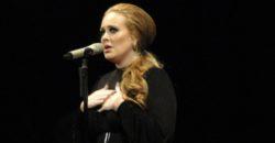 Adele - Fotocredits: Niko Transmission (Flickr - CC BY-SA 2.0)