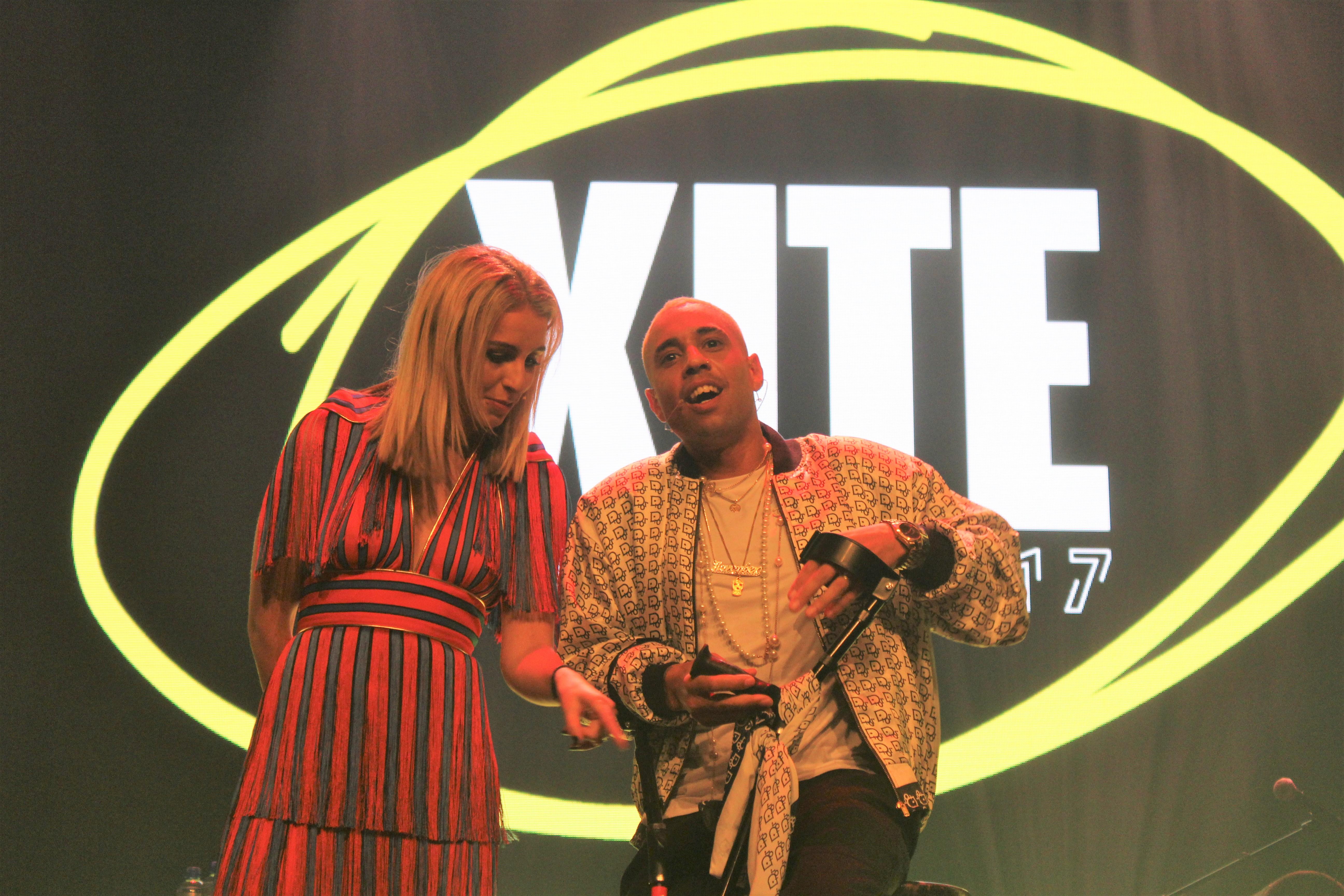 Iris Enthoven en MC Bizzey @ XITE Awards - Fotocredits: Chenneti Ascencion (Artiestennieuws)