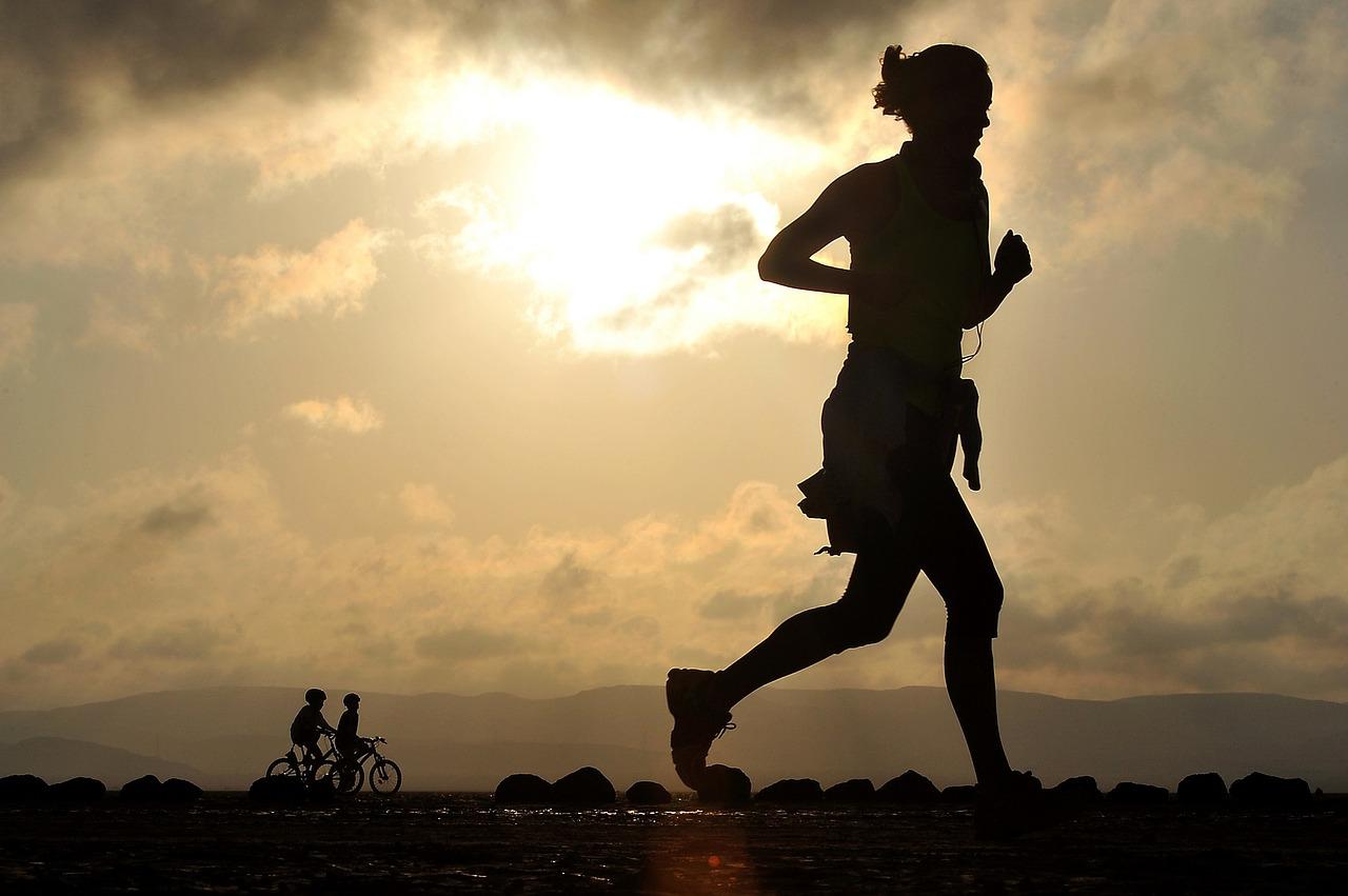 muziek tijdens het sporten - Foto Skeeze (Pixabay Creative Commons)