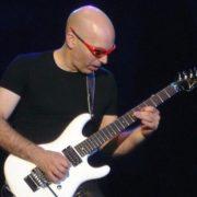 Joe Satriani - Bron: WikiMedia Commons - Fotocredits: Chascar - (CC BY 2.0)