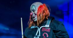 Shawn Clown Crahan (Slipknot) cropped - Foto Ralph Arvesen (Flickr, CC BY 2.0)
