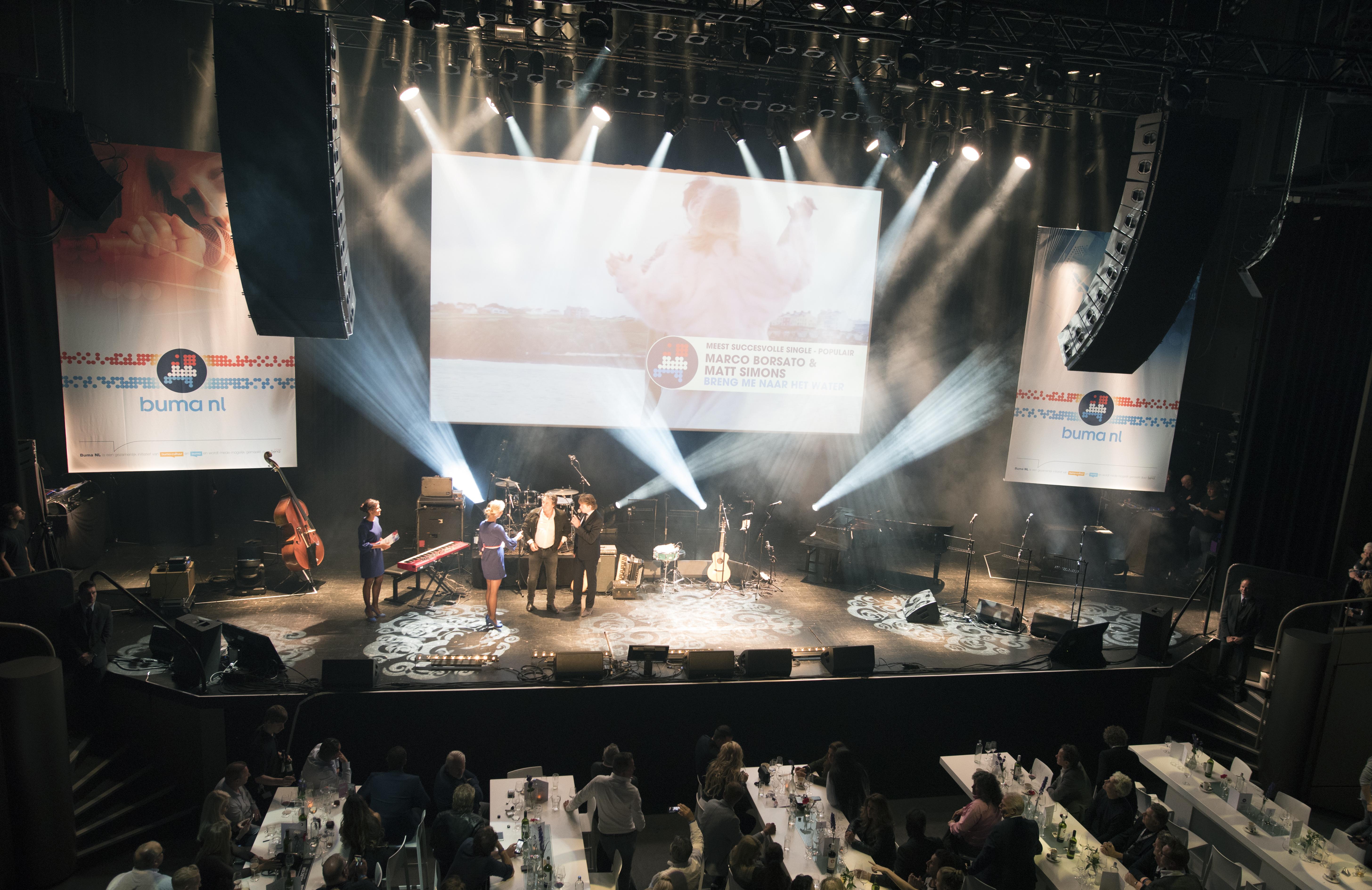 Marco Borsato en Matt Simons tijdens Buma NL Awards 2017 - Fotocredits: Shali Blok (ArtiestenNieuws)