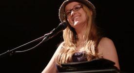 Ingrid Michaelson - Bron: Wikimedia Commons -Fotocredits: Martijn van de Streek - (CC BY-SA 2.0)