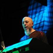 Jordan Rudess (Dream Theater) - Foto Kuba Bozanowski (Wikimedia Commons, CC BY 2.0)