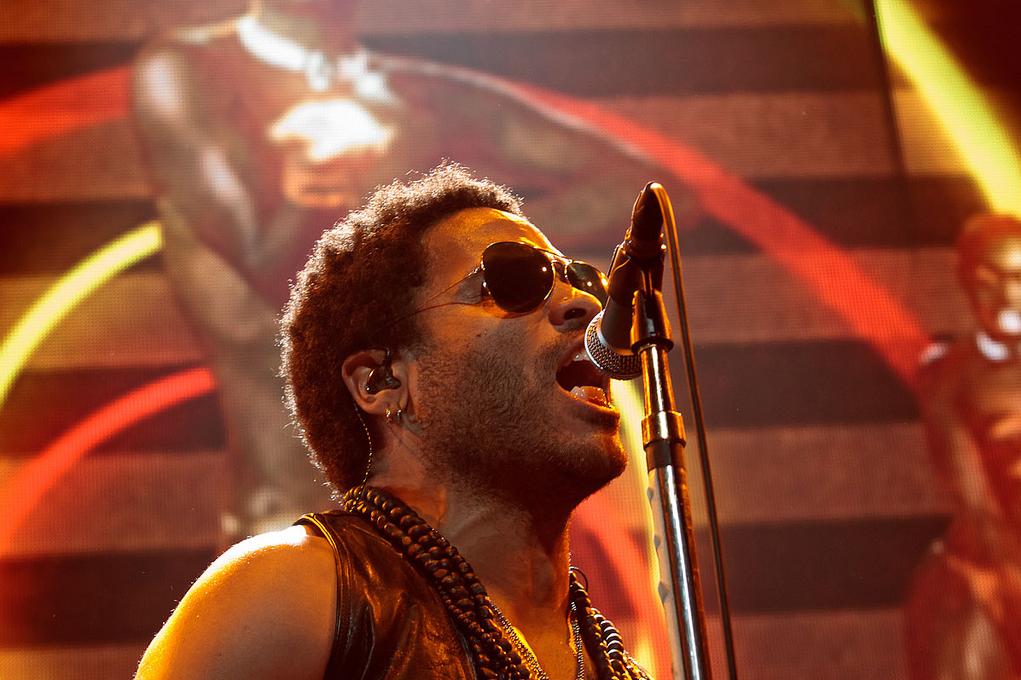 Lenny Kravitz brengt 'Raise Vibration Tour 2018' naar ...