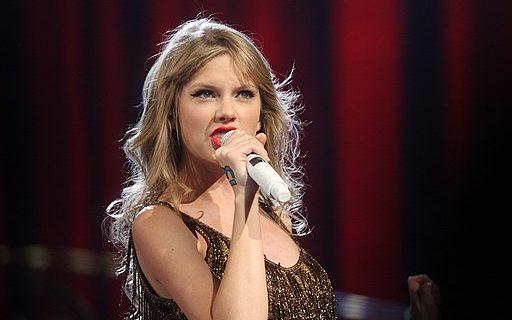 influencers, Taylor Swift - Eva Rinaldi (CC BY-SA 2.0), via Wikimedia Commons