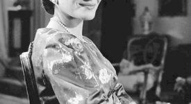 Photo of Maria Callas from the television talk show Small World. Pre-1978 No mark/no credits (Wikimedia Commons)