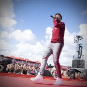 Amsterdam Open Air, Vliegende Vrienden van Amstel LIVE!, Broederliefde tijdens Vliegende Vrienden 2018 - Fotocredits: Shali Blok - ArtiestenNieuws