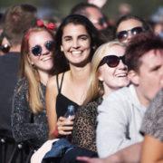 Vliegende Vrienden van Amstel LIVE!, Festivalpubliek tijdens Vliegende Vrienden 2018 - Fotocredits Shali Blok - ArtiestenNieuws
