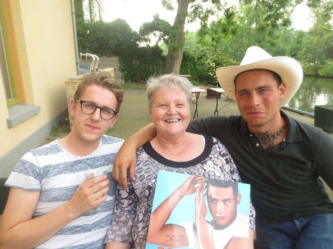 Douwe Bob en MVH - Grootste Fans Klaasje
