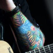 De tatoeages van Ed Sheeran, Ed Sheeran's getatoeëerde arm, Fotograaf: Eva Rinaldi - Bron: Wikimedia Commons (CC BY-SA 2.0)